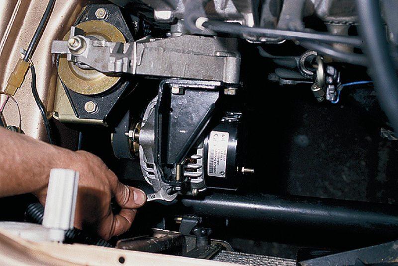 Фото №1 - замена генератора ВАЗ 2110