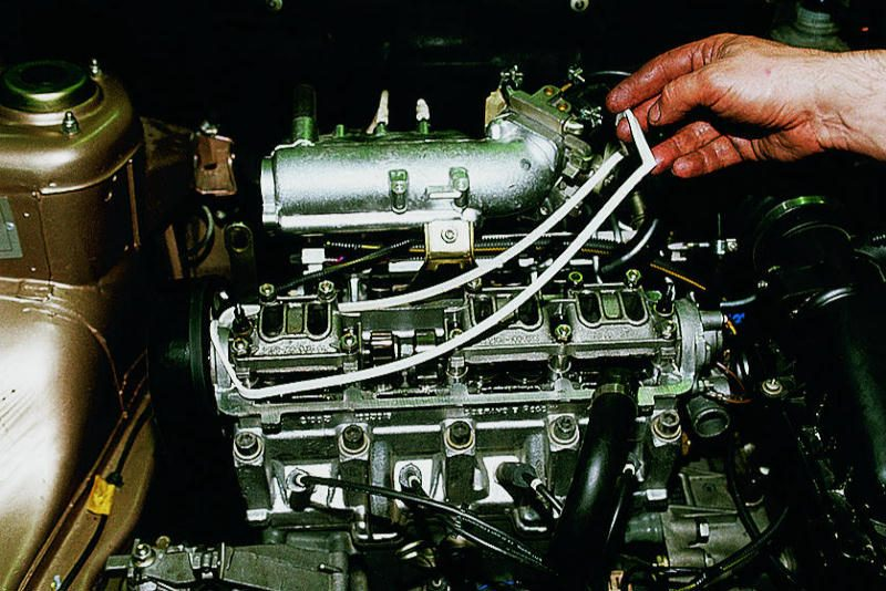 Фото №11 - замена прокладки клапанной крышки ВАЗ 2110 8 кл